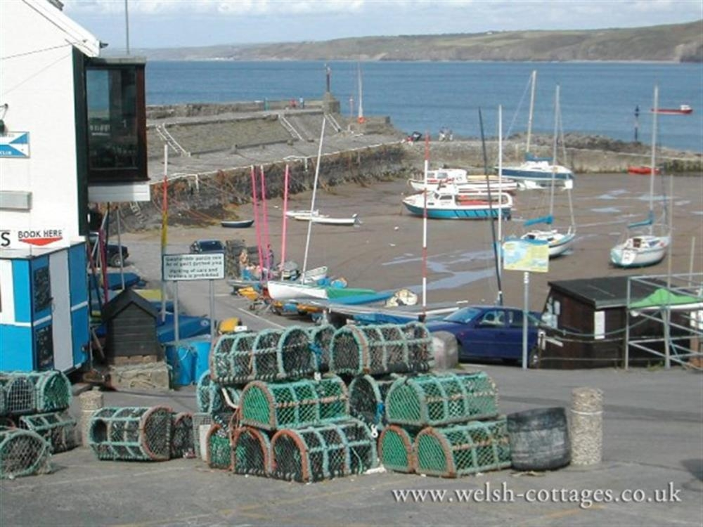 Photograph of 2174-9-lobster pots at New Quay