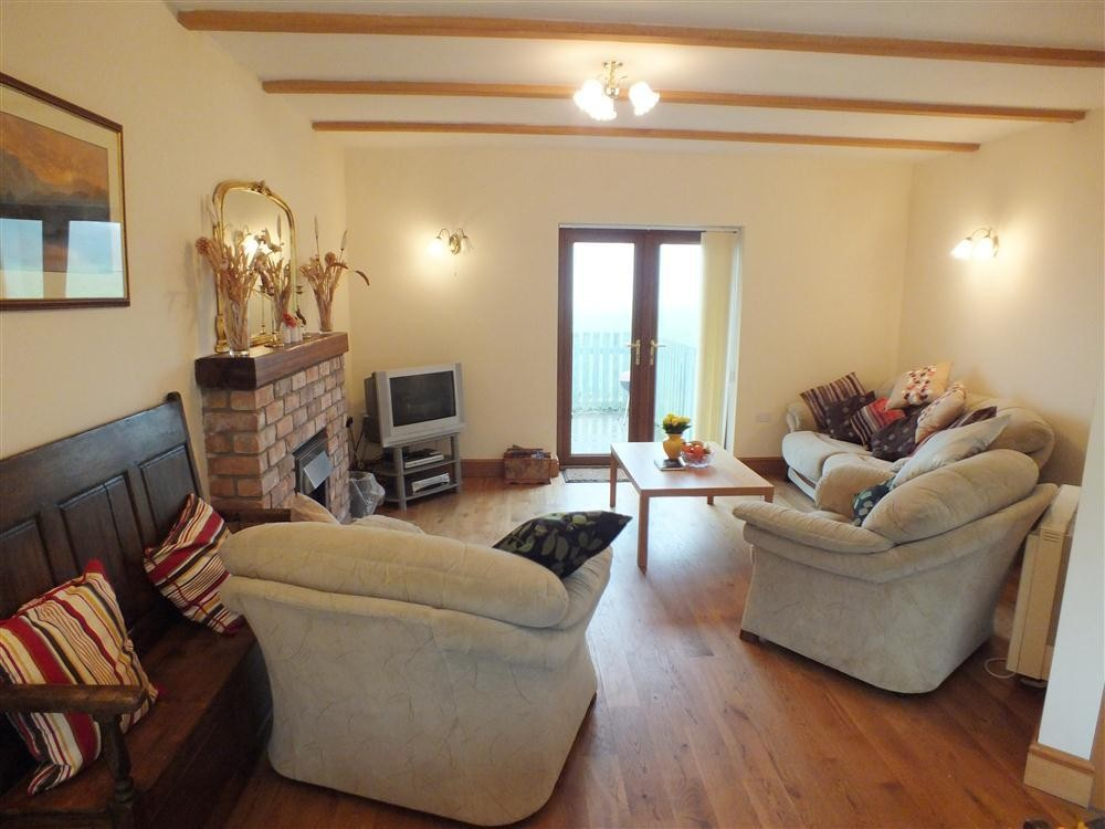 Ty Nant - Llanon - Cardigan Bay - Sleeps 6 - Ref 2073