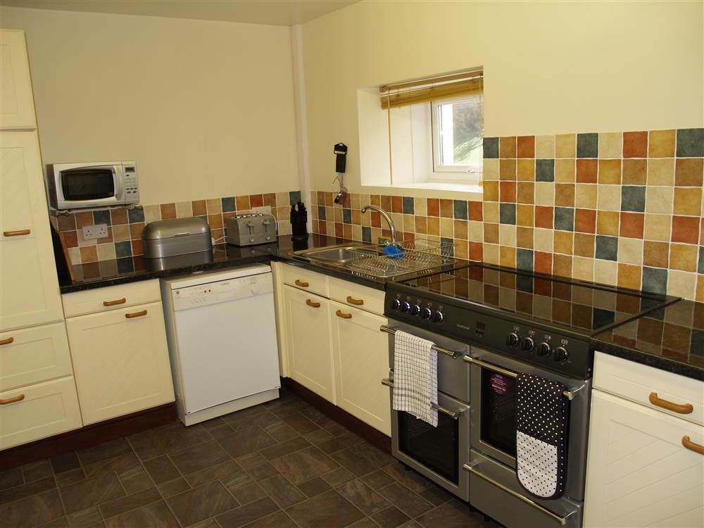 Photograph of 593-2-Kitchen