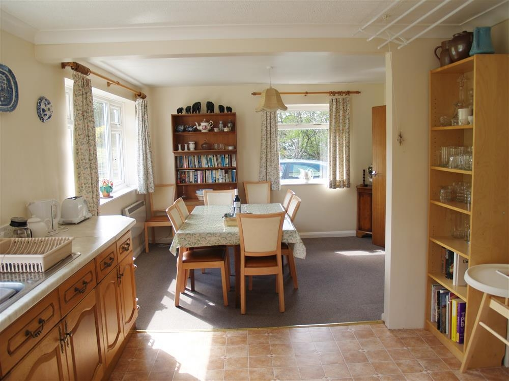 185-3-Kitchen & dining room