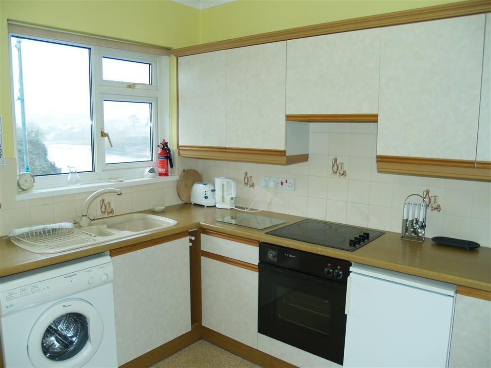Photograph of 412-5-Kitchen