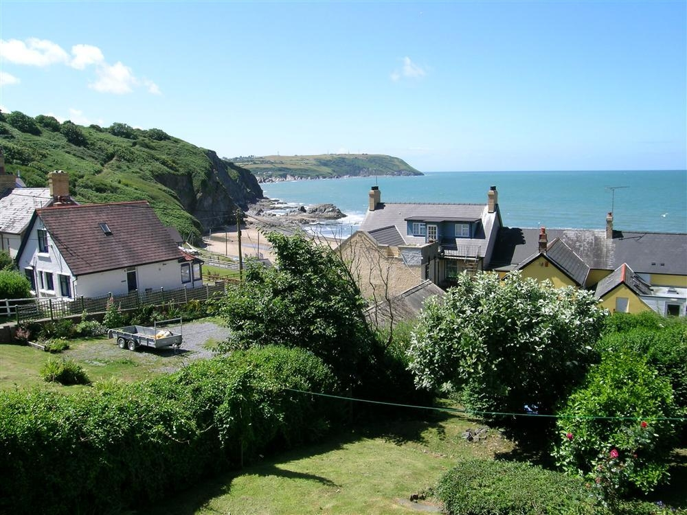 Seaside Cottage - Tresaith Beach - Cardigan Bay - Sleeps 4 - Ref 817