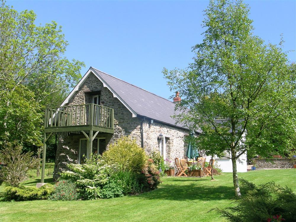 Delightful stone barn conversion with a HOT TUB  Sleeps: 4  Property Ref: 751