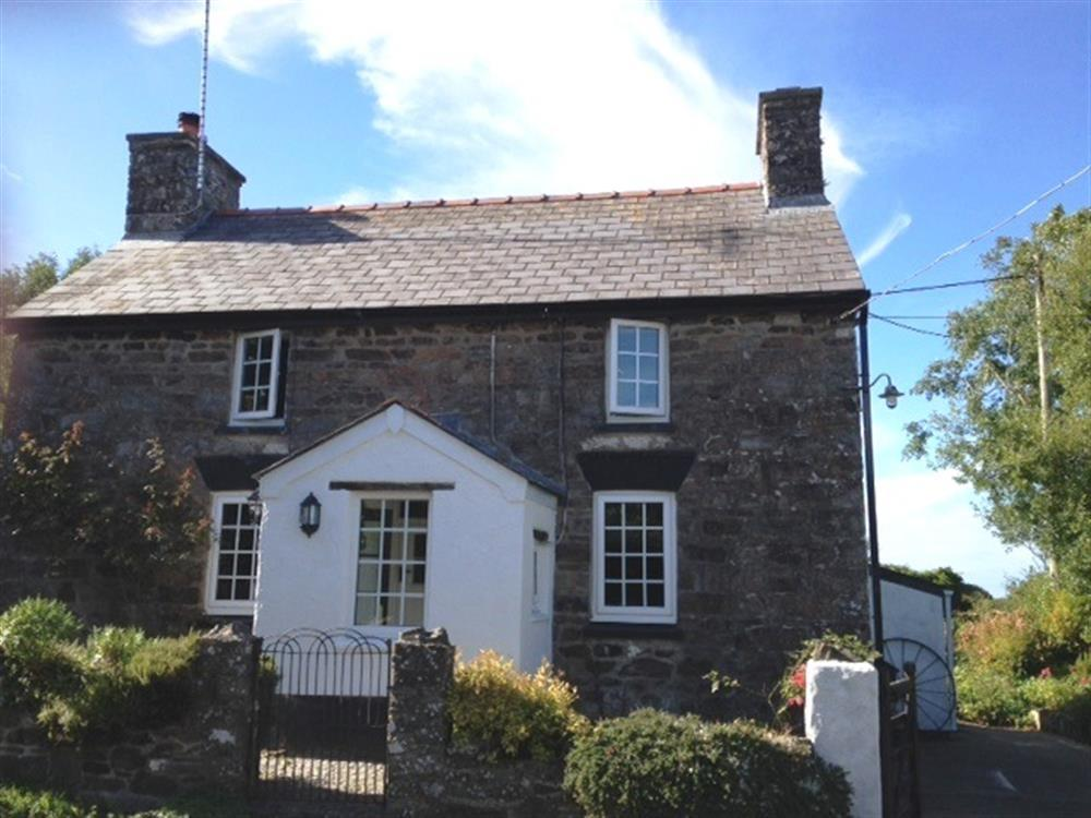Stone cottage with large garden near Ceibwr Bay - Sleeps 5 - Ref 2192