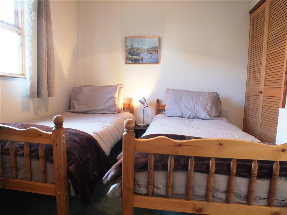 Photograph of 2144-4-Lan y Mor Solva twin room