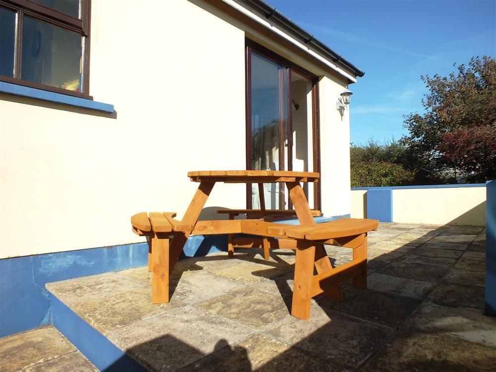 Photograph of 2144-8-Lan y Mor Solva patio