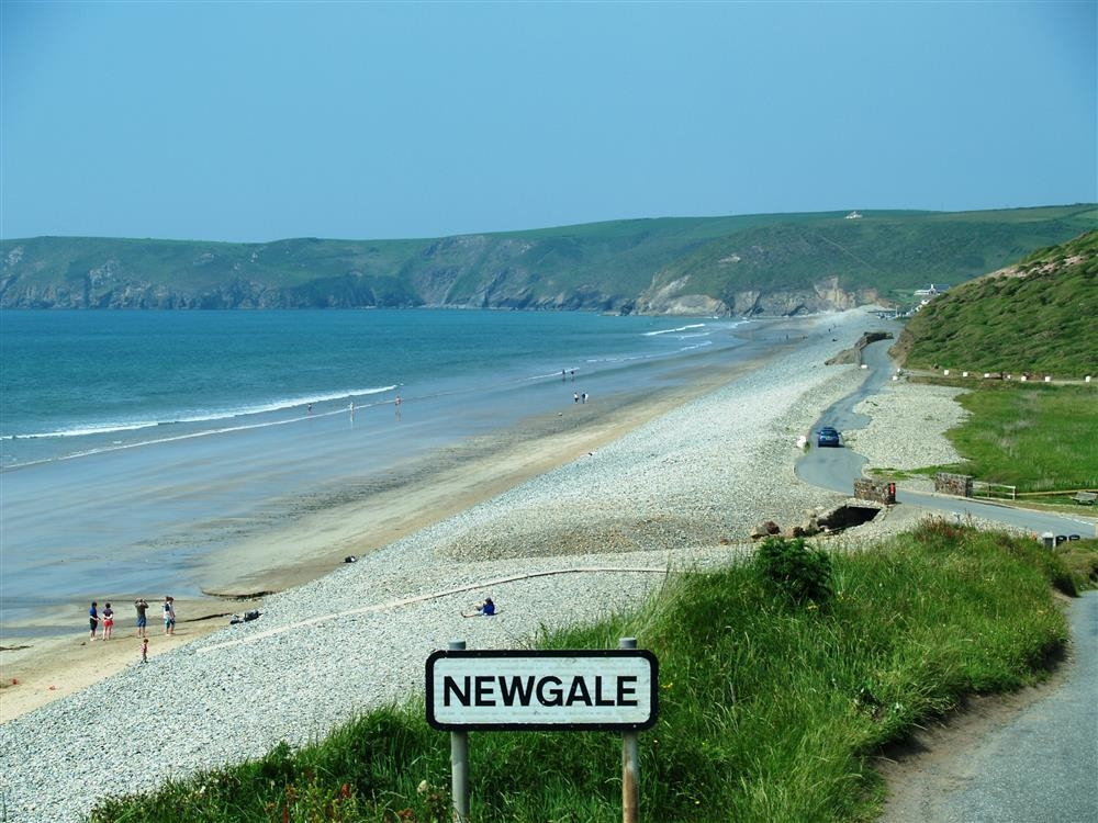 Photograph of 2144-extra-Newgale baeach