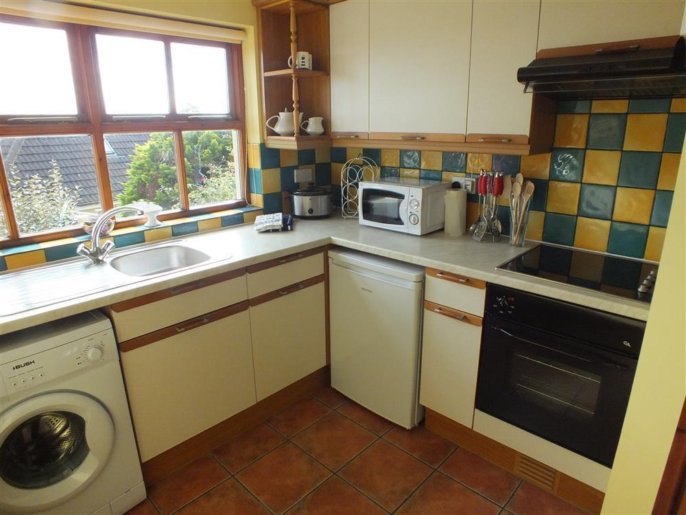Photograph of 2144-3-Lan y Mor Solva kitchen