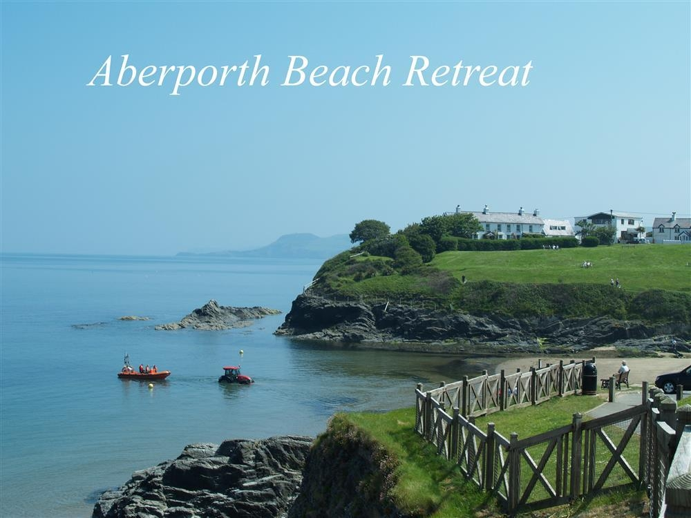 Sea View Apartment - Aberporth Beach - Cardigan Bay - Sleeps 2 - Ref 536