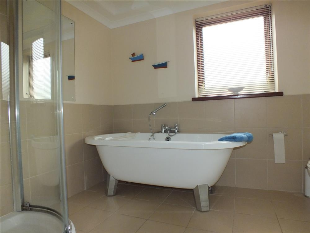 Photograph of 123-7-Bathroom