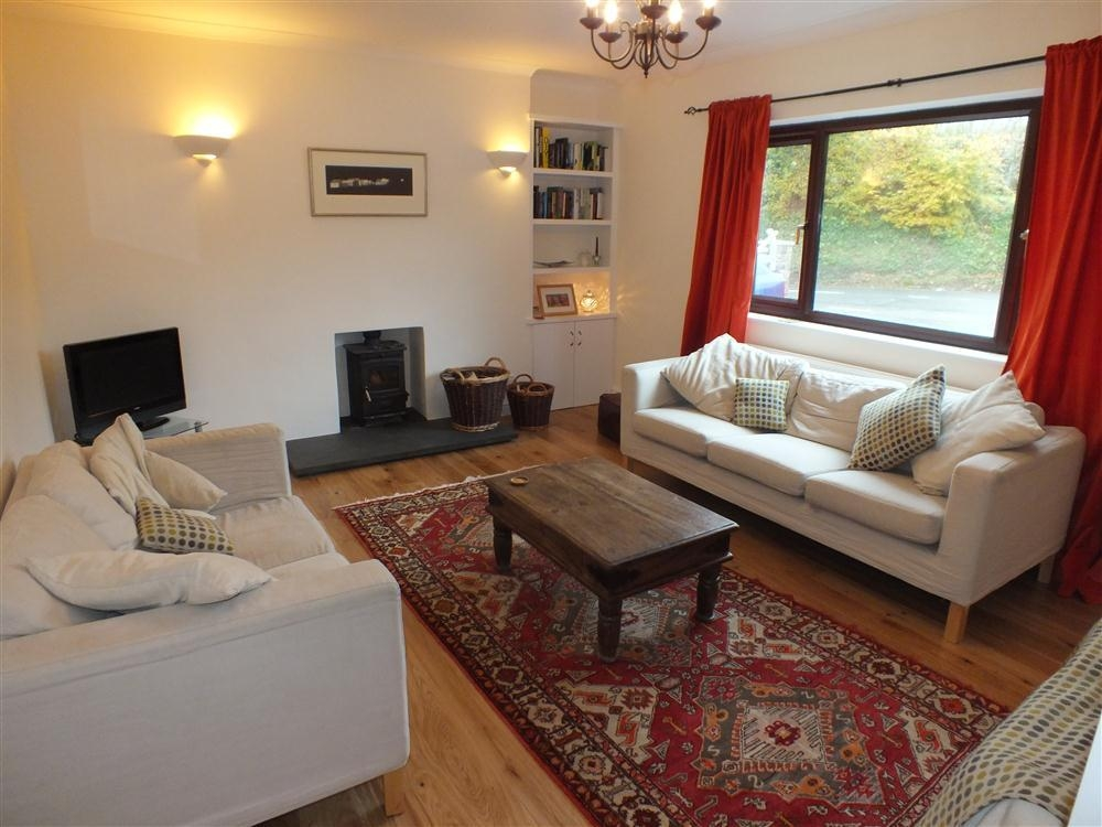 Dormer Bungalow - West Street - Newport - Sleeps 8 - Ref 2079