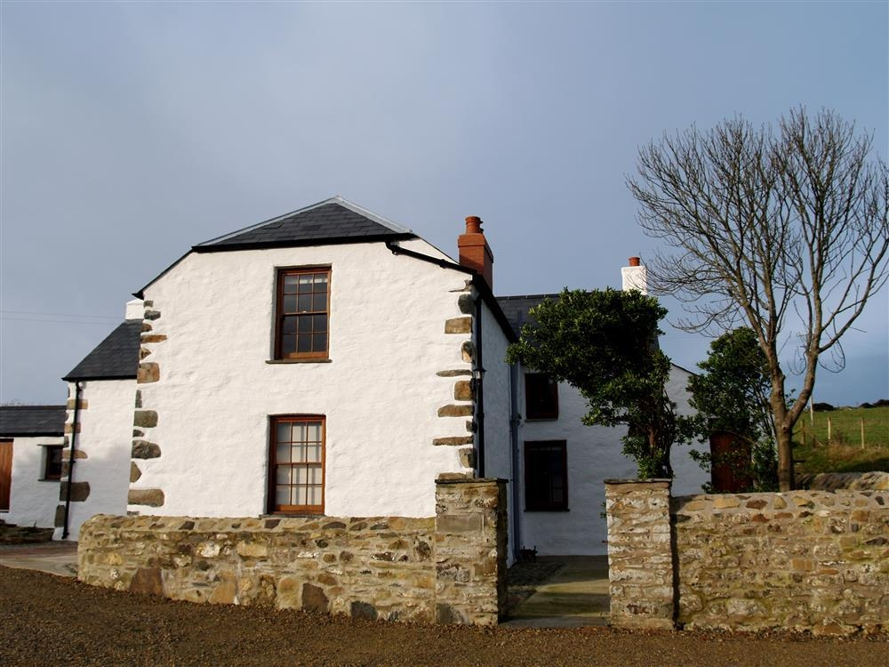 Farmhouse - Strumble Head - near Goodwick - Sleeps 5 - Ref 539
