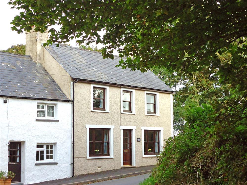 Character Cottage - near Abermawr - Sleeps 4 - Ref 2203