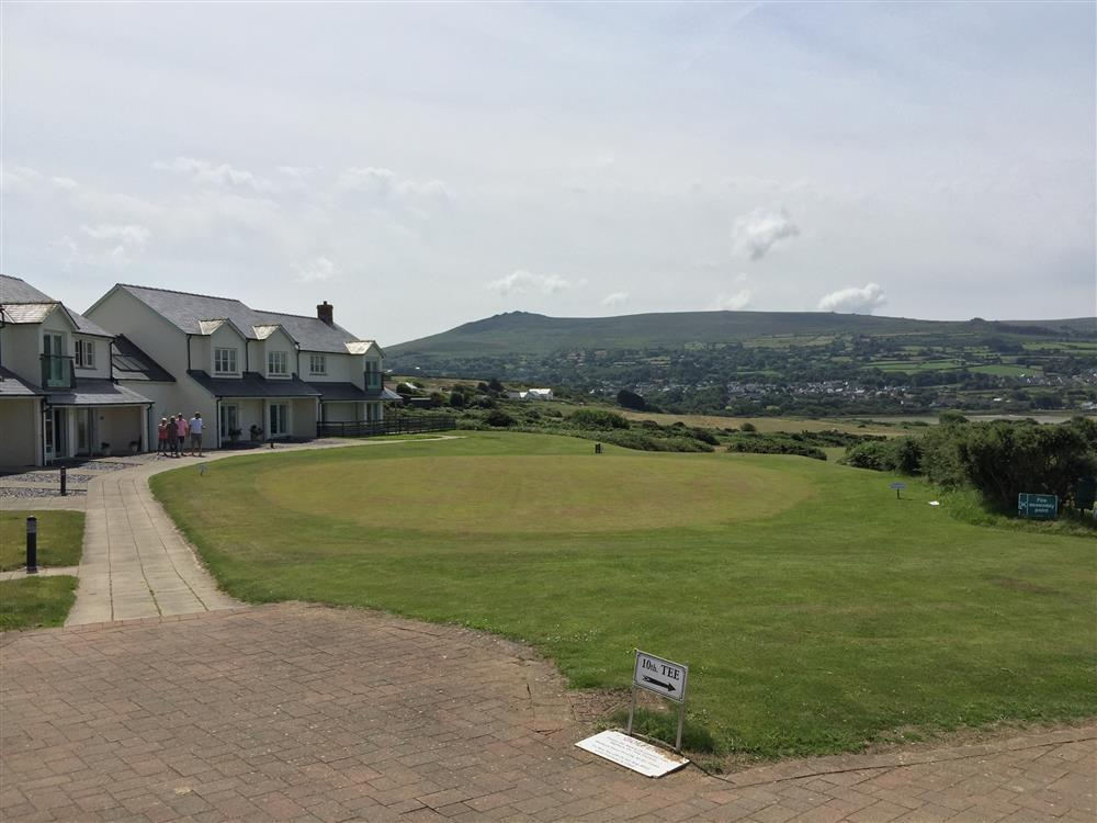 Photograph of 2222-9-GolfClub Newport Sands (1)