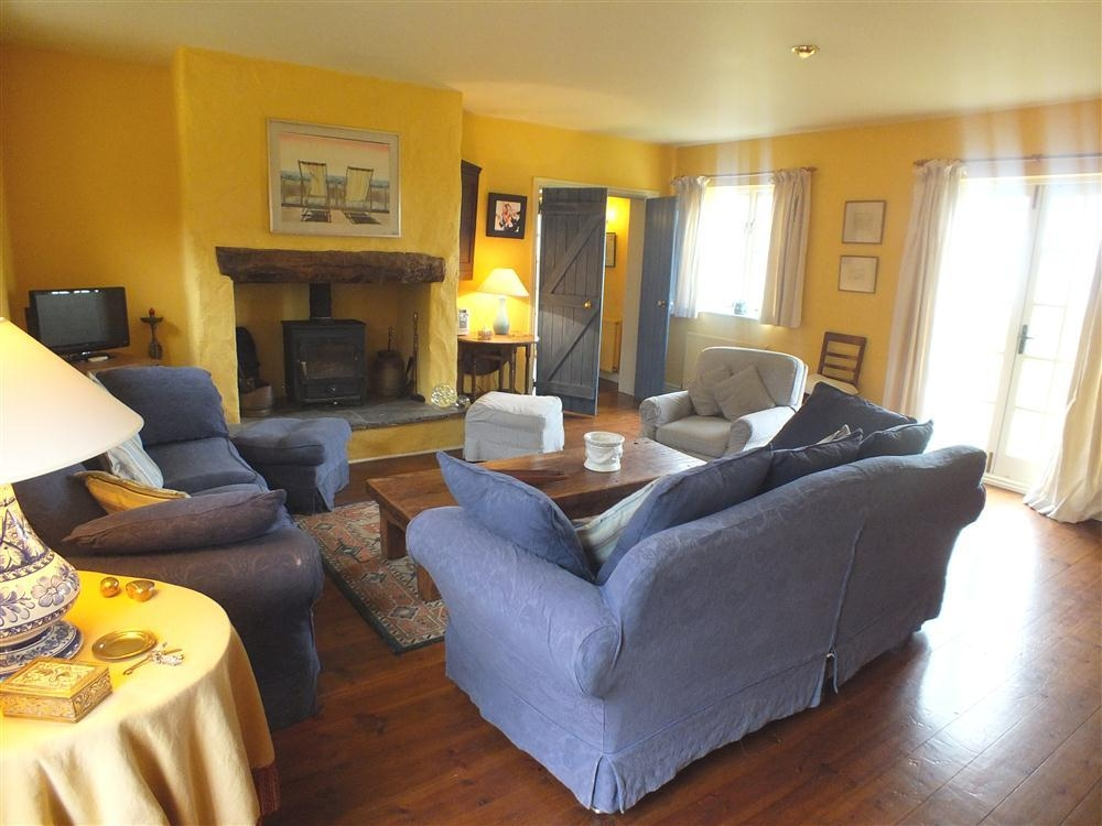 Brynceiros - Sea View House - near Parrog Rd - Newport - Sleeps 8 - Ref 2092