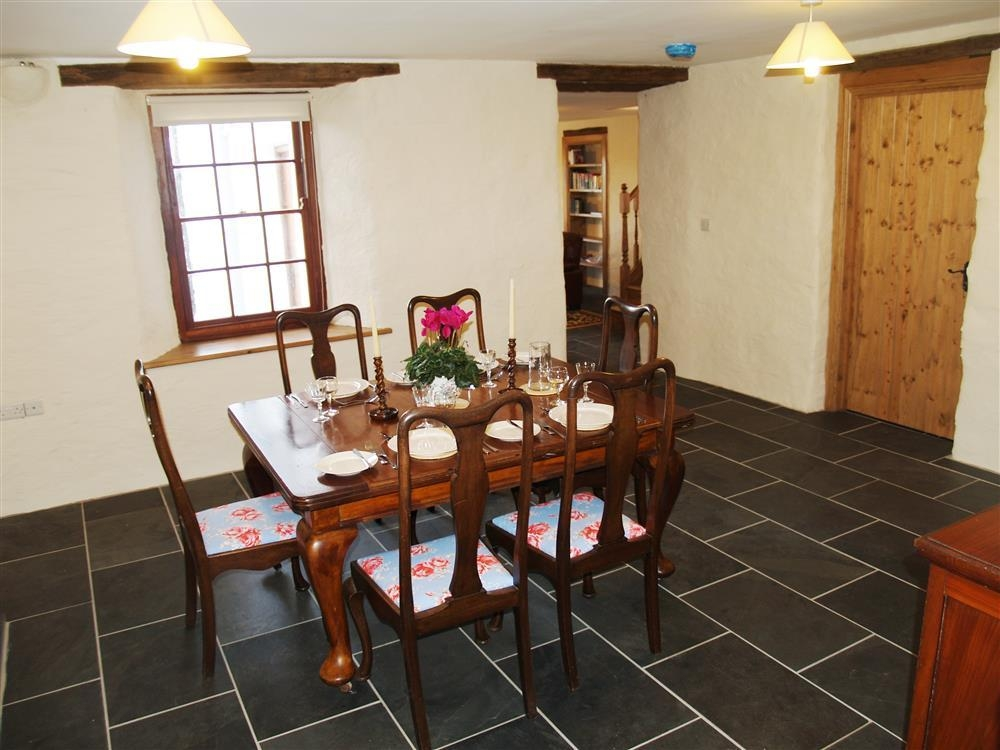 Photograph of 539-2-Dining Area