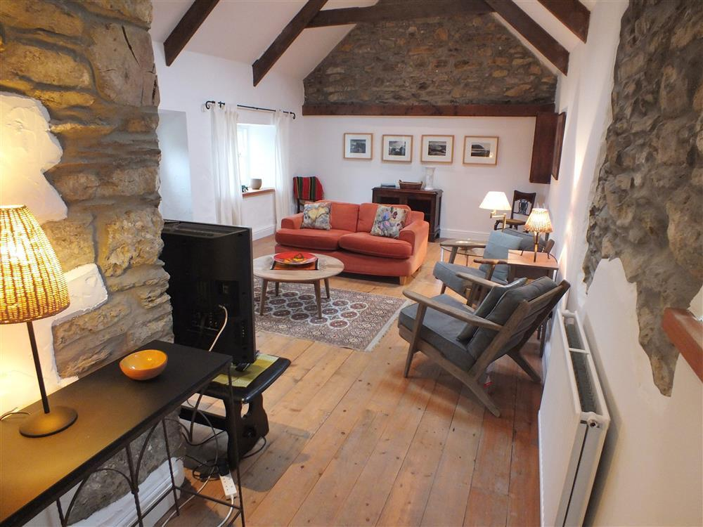 Lovely whitewashed cottage in the heart of the National Park - Sleeps 4 - Ref 2169