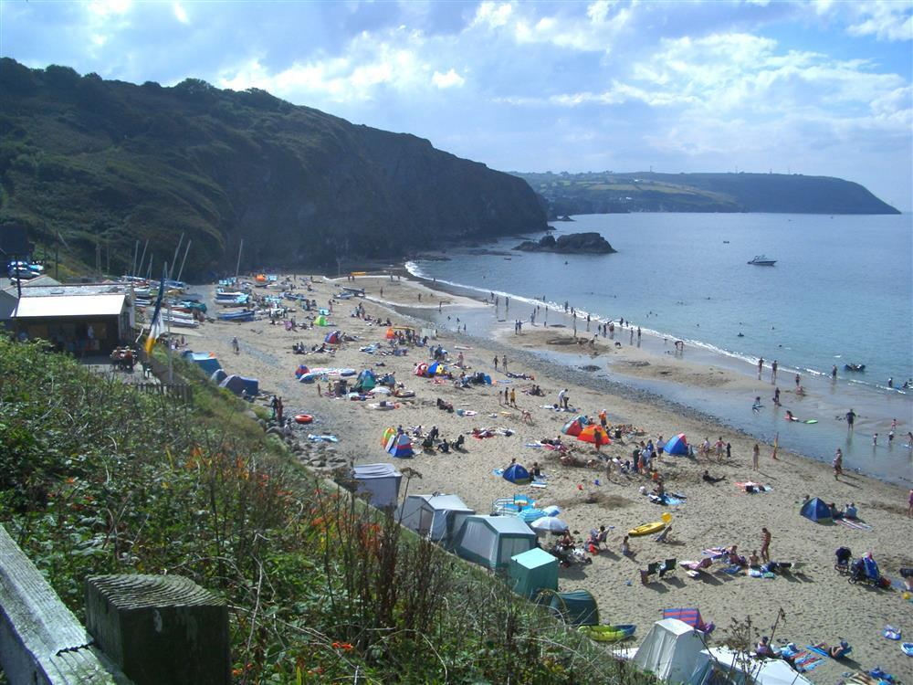 Photograph of 488-9-Tresaith beach