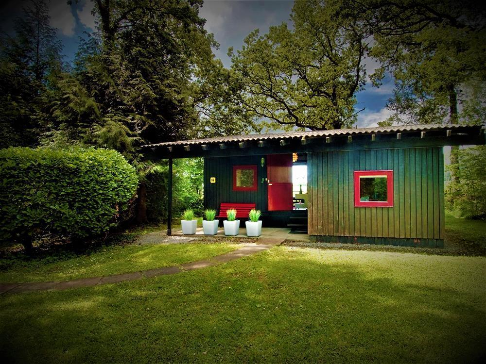 Retro Swedish Lodge at Penlan Holiday Park - Sleeps 4 - Ref 2239