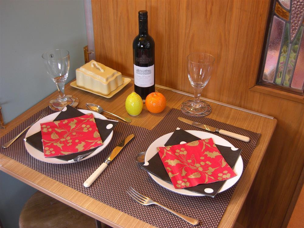 Photograph of 2153-3-dining table