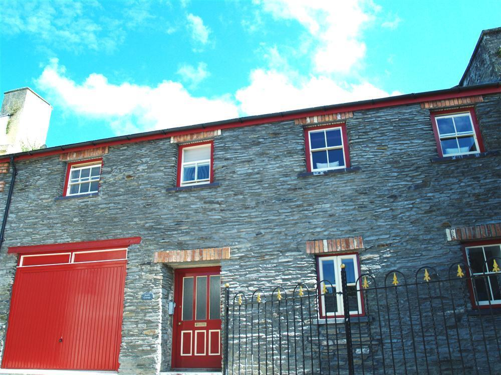 Two storey loft style apartment close to Cardigan Bay  Sleeps: 4  Property Ref: 880