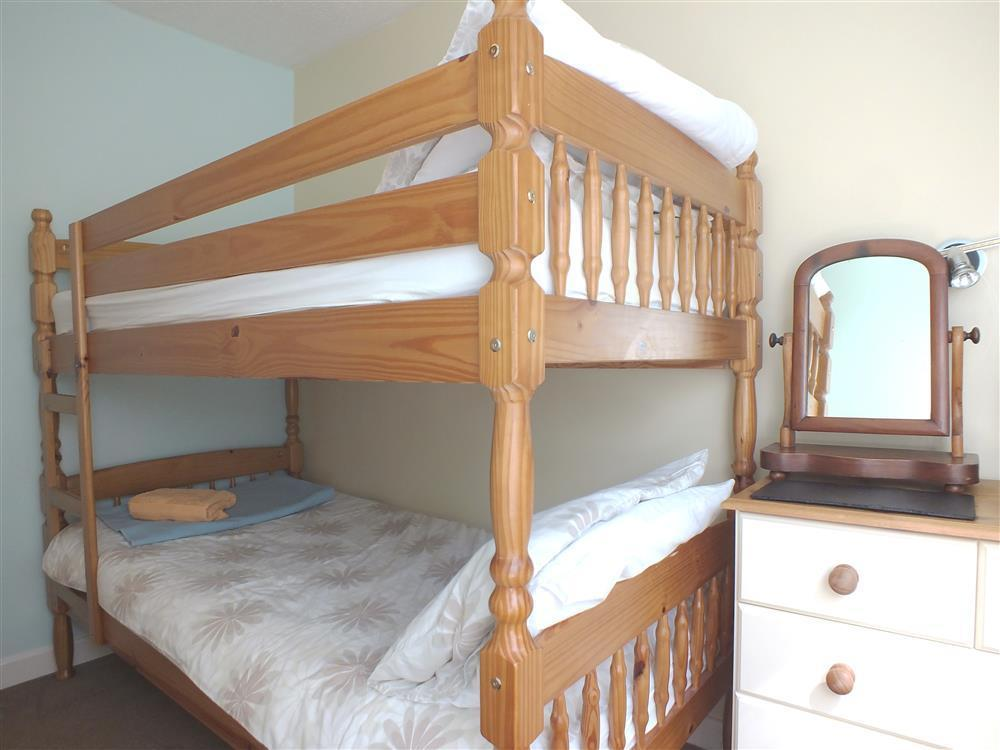 2015-6-Bunk bedroom