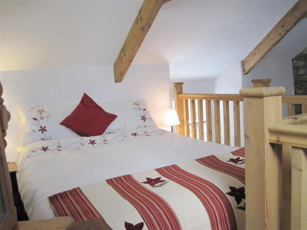 Photograph of 2005-4-Bedroom  (1)