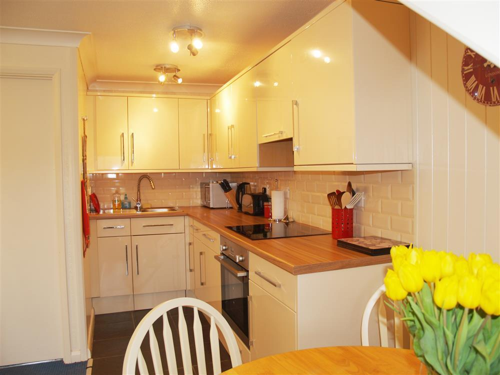 560-2-Kitchen and Dining Area2 (1)