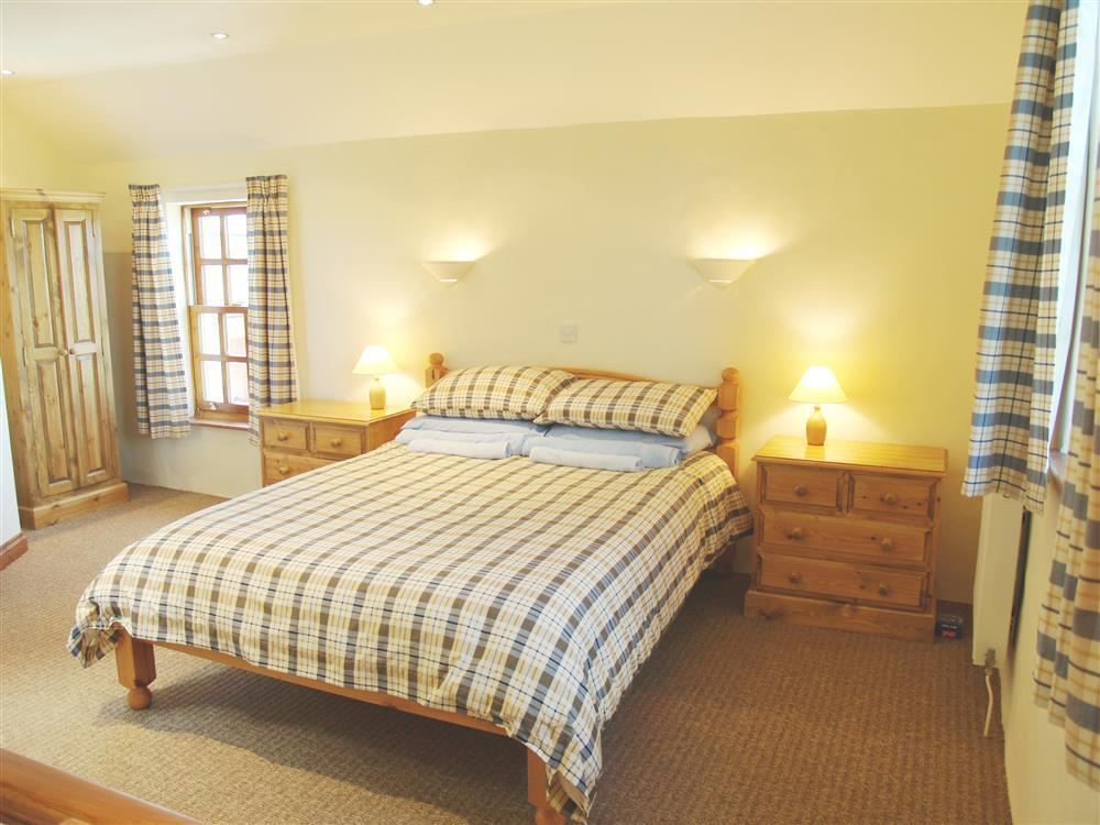 Photograph of 731-4-Ty Fferm bedrooms (1)