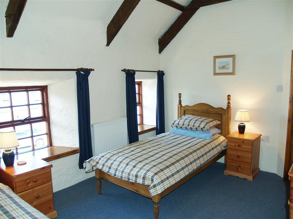 Photograph of 731-4-Ty Fferm bedrooms (4)