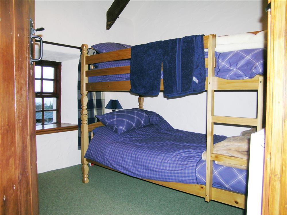 Photograph of 731-4-Ty Fferm bedrooms (5)