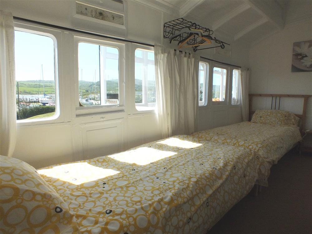 Photograph of 04-Carriage bedrooms - 2045  (2)
