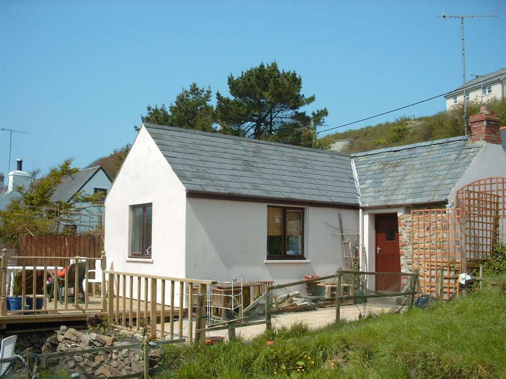 Cosy cottage within walking distance of Little Haven beach - Sleeps 2 - Ref 192