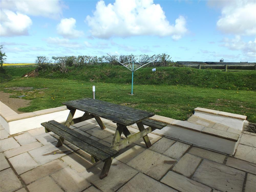 Photograph of 08-Patio Holiday cottage Solva-217