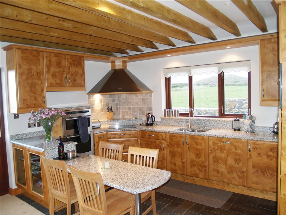 933-1-Open plan Cable Cottage (4)