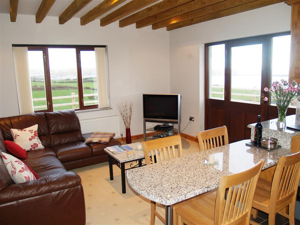 933-1-Open plan Cable Cottage (5)