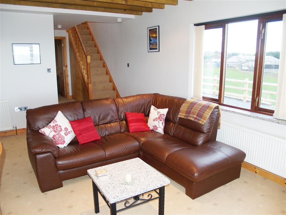 933-1-Open plan Cable Cottage (6)