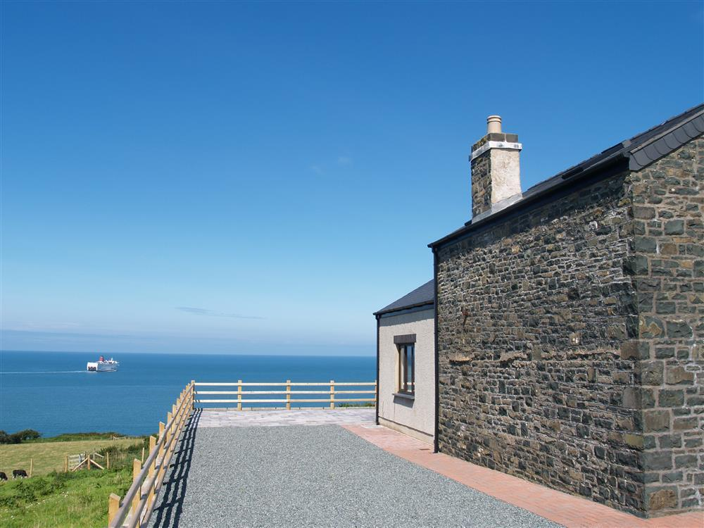 933-9-Cable Cottage sea view (2)