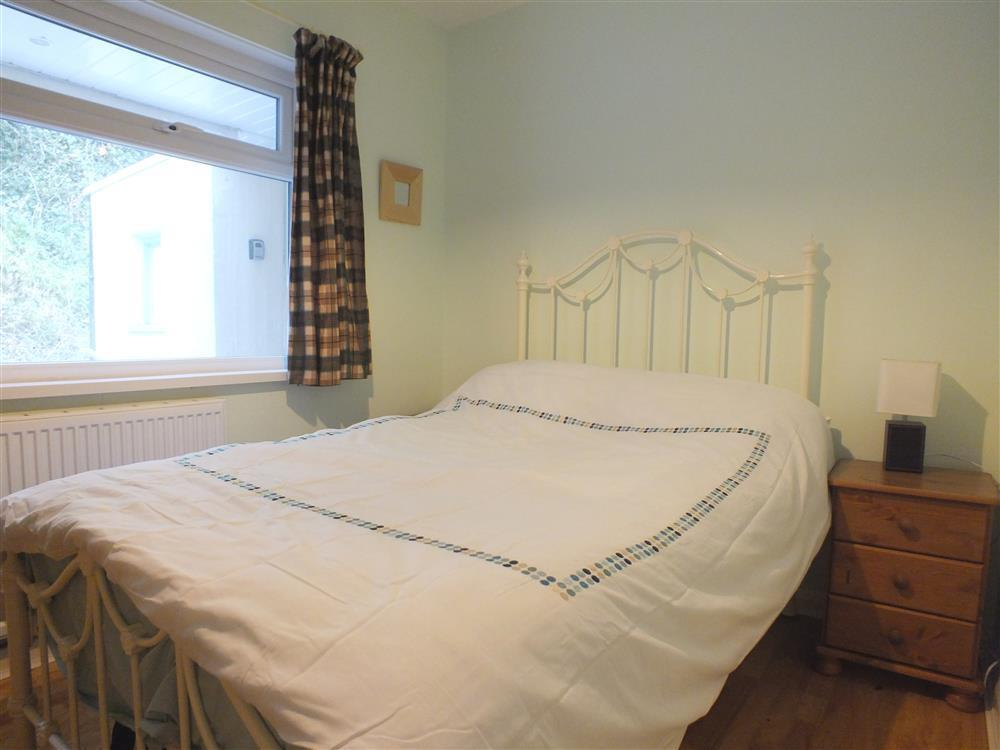 Photograph of 2067-3-Shell Cottage  bedrooms (2)