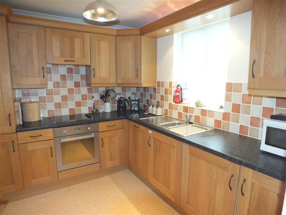 Photograph of 2078-3-Marloes kitchen