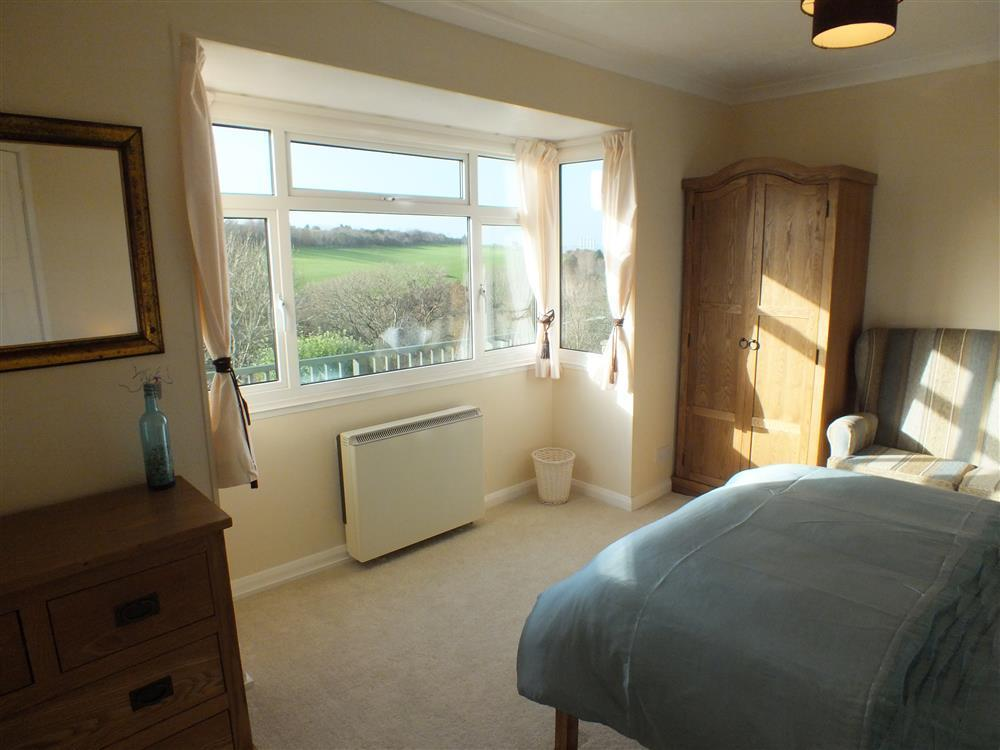 Photograph of 2083-3-master bedroom (2)
