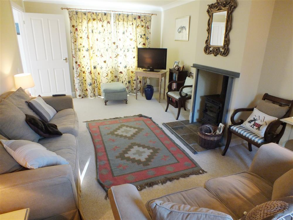 2086-1-Curlew Cottage sitting room (2)