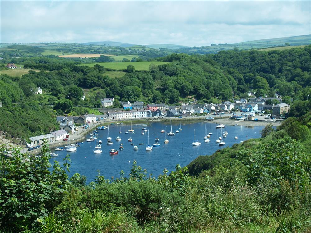 Photograph of 2105-2-lower-town-fishguard