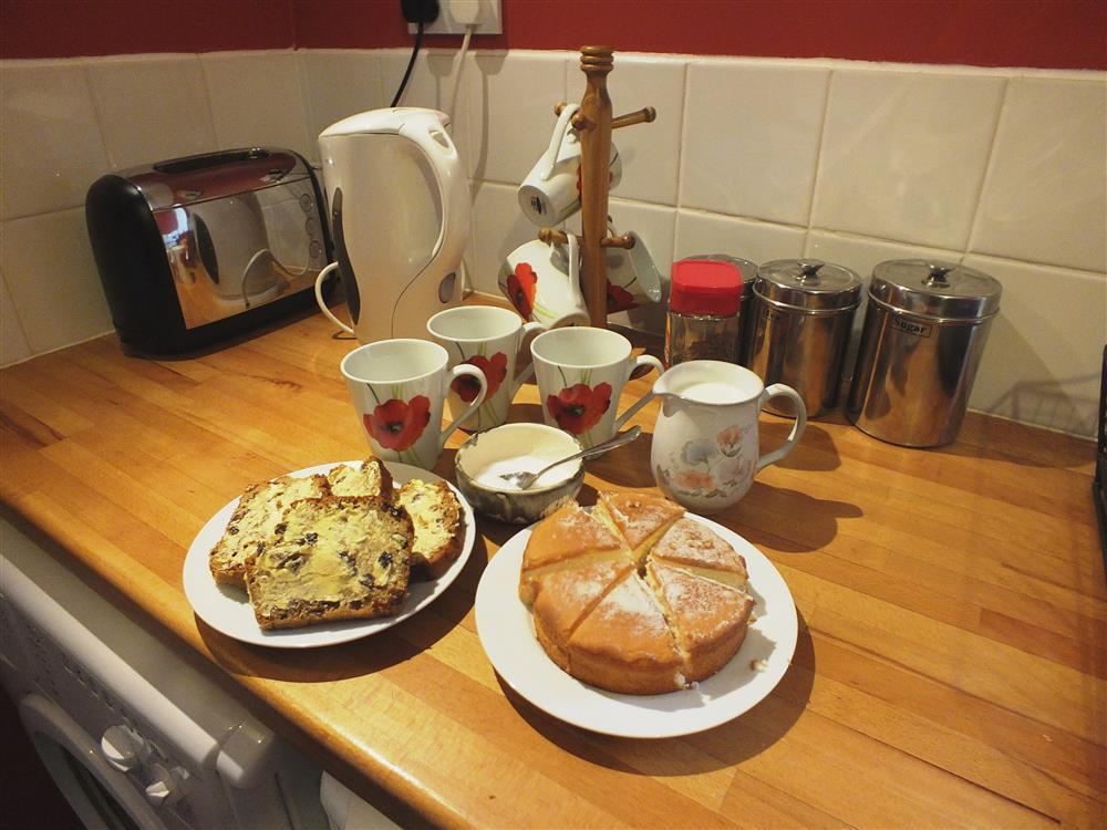 2108-3-Gwaun Valley kitchen0 (3)