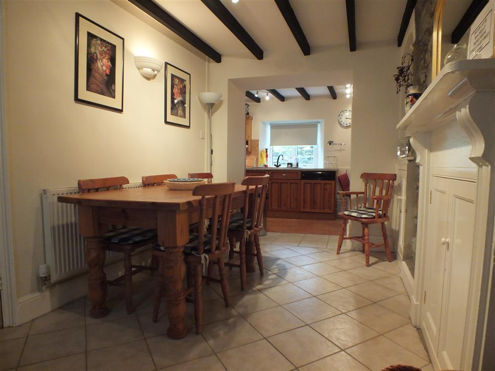 Photograph of 03-Preseli Cottage Dining 491 (2)