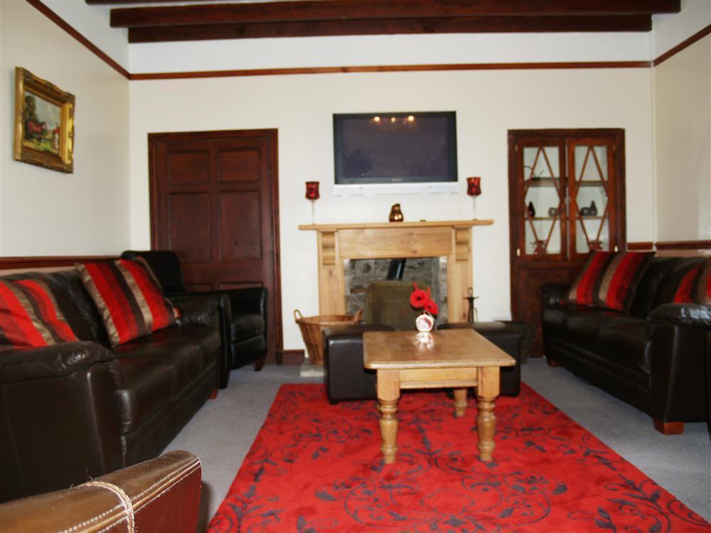 Photograph of 01 Farmhouse Sitting Room 593 (2)