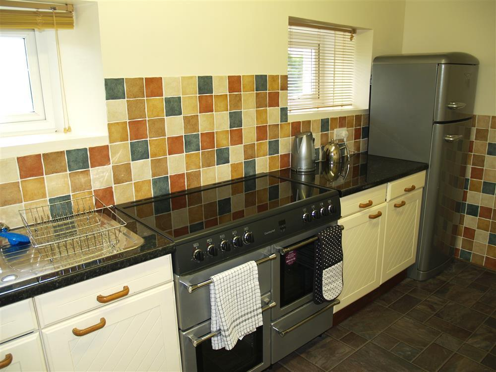 Photograph of 02 Georgian Farmhouse Kitchen 593 (2)