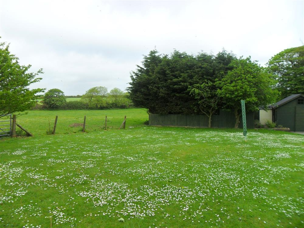 Photograph of 07 Hayscastle Farmhouse Grounds 593 (2)