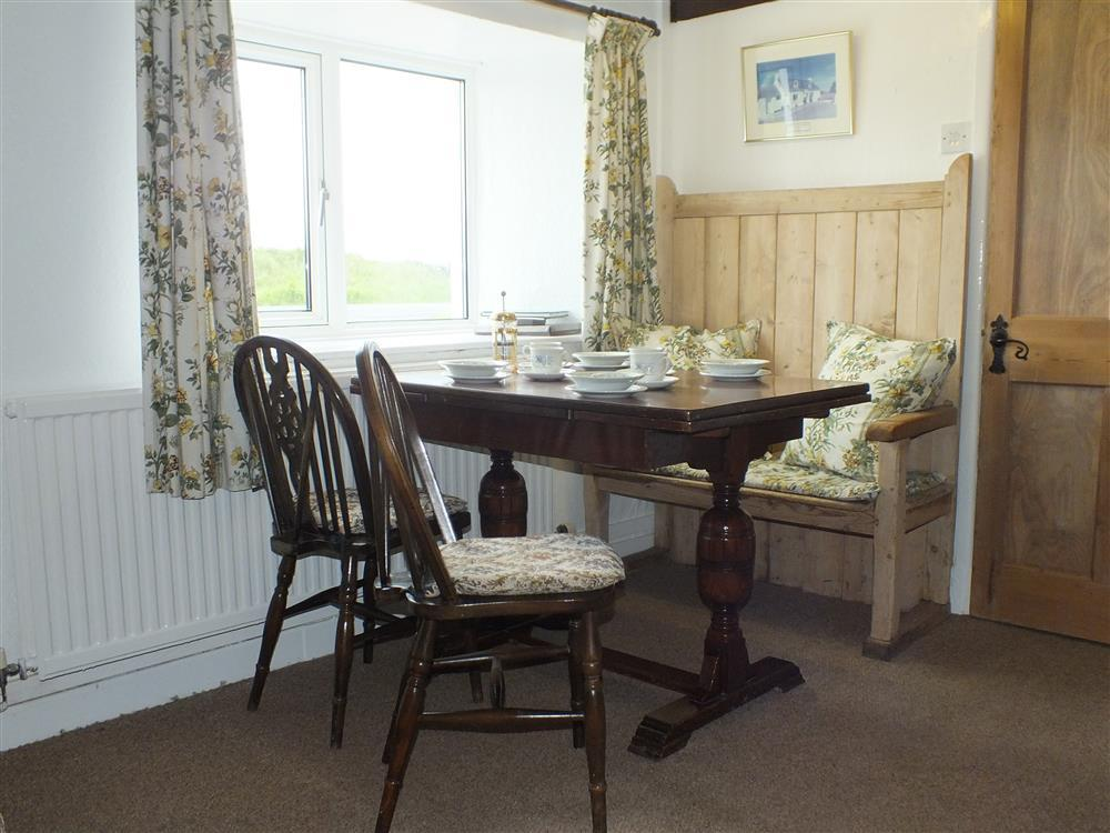 03 St Davids dining table 2135