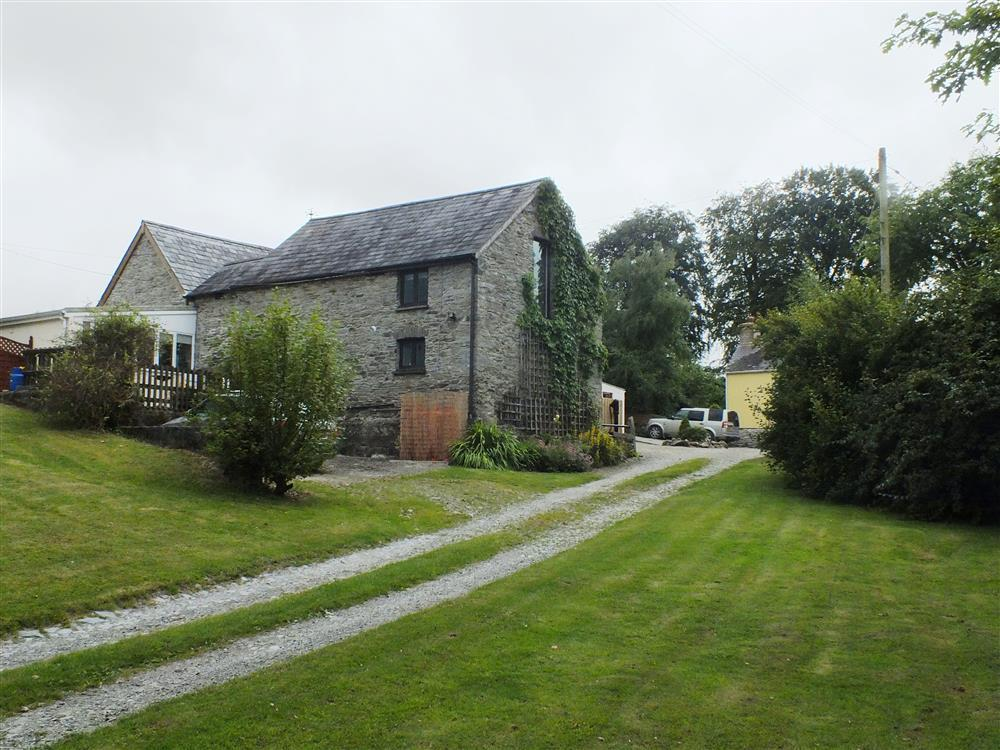 Photograph of 07 Gnol Byre grounds 2136 (3)